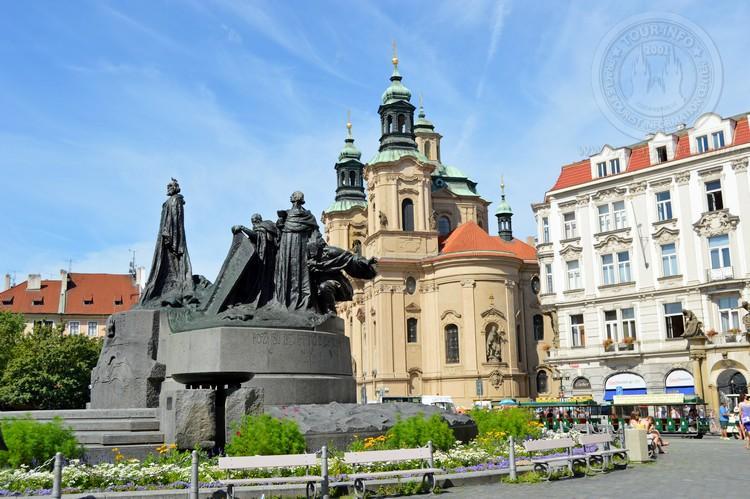Чехия, обзорная экскурсия по Праге, Староместская площадь, памятник Яну Гусу