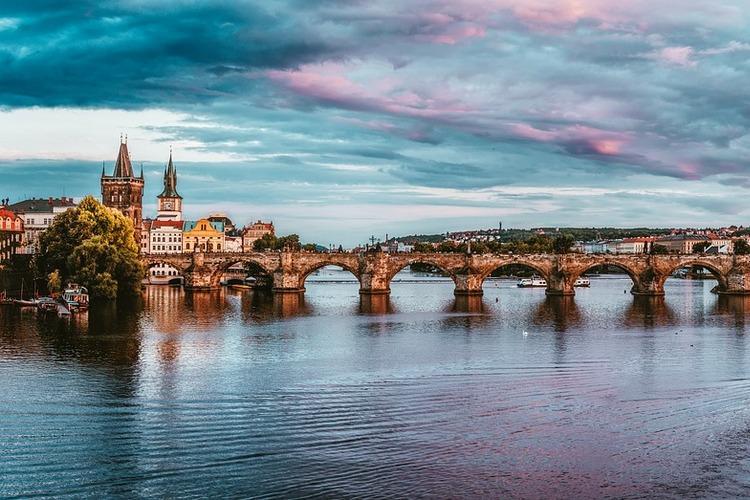 Чехия, обзорная экскурсия по Праге, вечерний Карлов мост