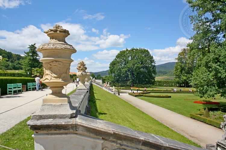Чешский Крумлов и замок Глубока экскурсия из Праги по Чехии. Парк