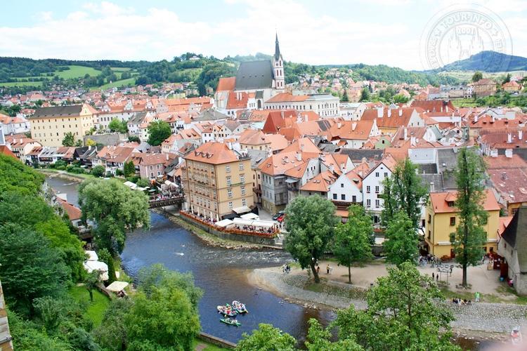 Чешский Крумлов и замок Глубока экскурсия из Праги по Чехии. Вид с площадки